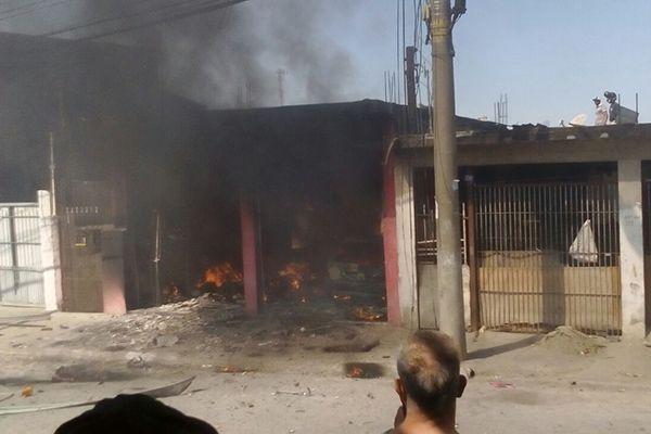 Houve forte explosão seguida de muito fumaça / Cássia Brandão