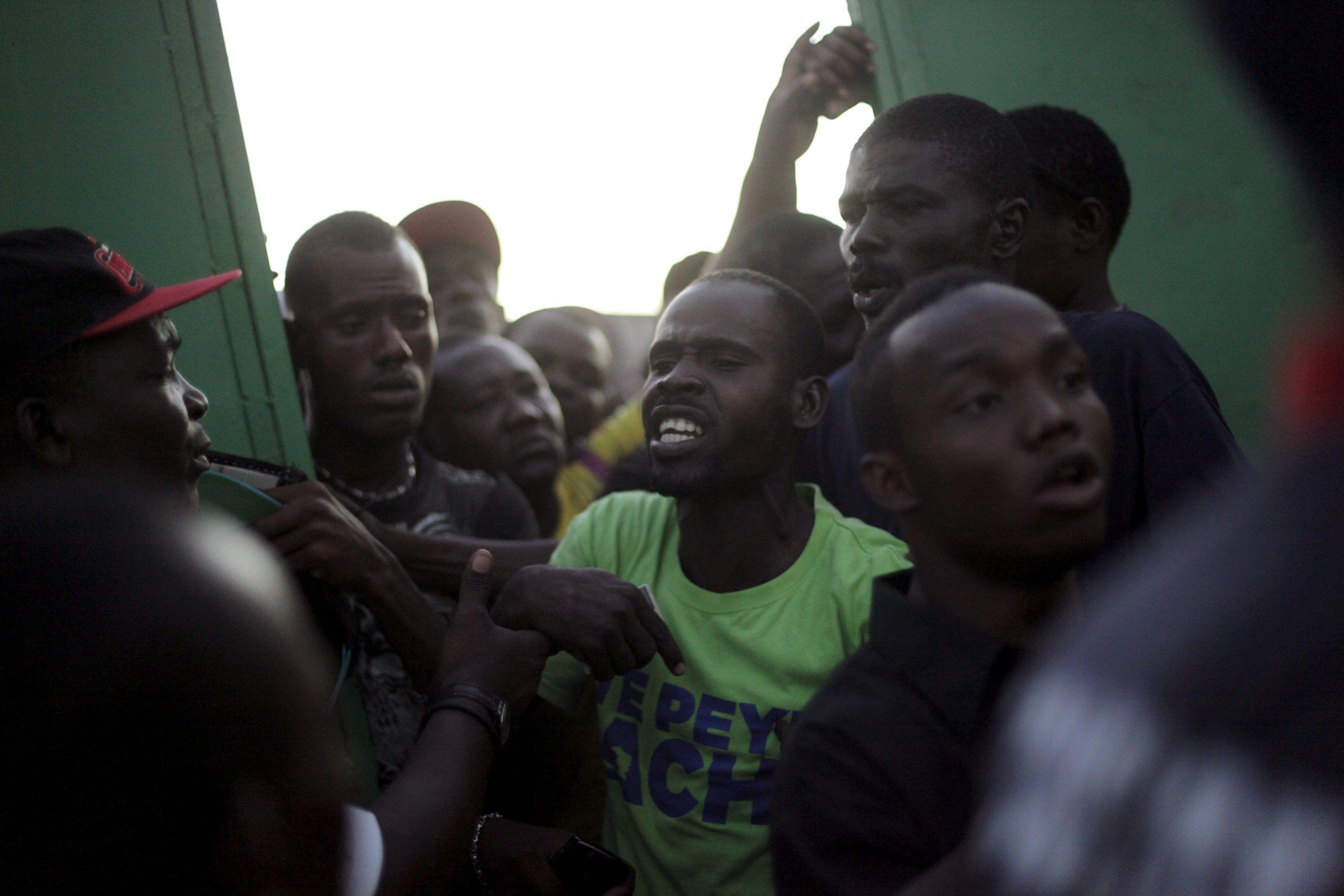 A nação caribenha com cerca de 10 milhões de habitantes tem enfrentado dificuldades para construir uma democracia estável / Andres Martinez Casares/Reuters