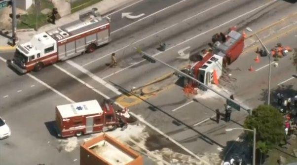 Veículos de resgate se acidentam nos EUA / Reprodução/Reuters