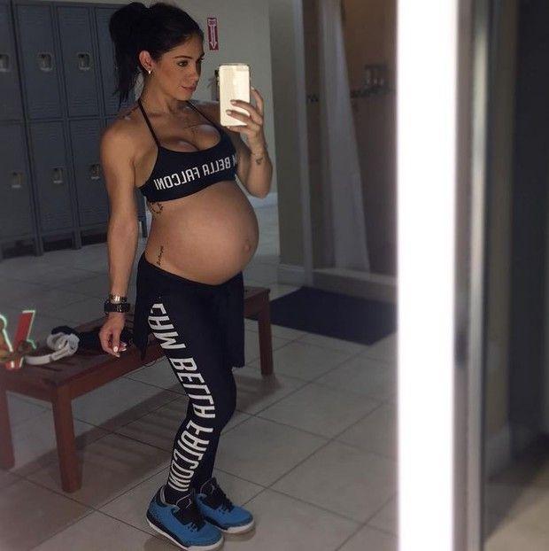 Selfie da mamãe deixa fãs ansiosos / Divulgação/Instagram