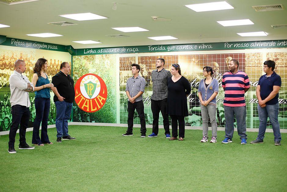 Competidores do MasterChef cozinham para atletas do Palmeiras
