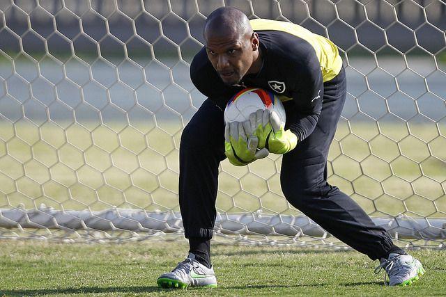0d4e5ce287 Botafogo enfrenta Mogi Mirim com Jefferson