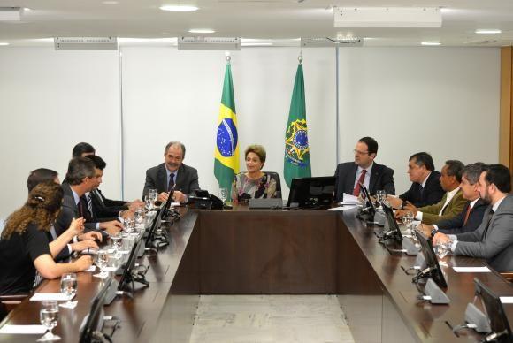 Presidente Dilma Rousseff reúne-se com líderes dos partidos da base aliada da Câmara dos Deputados / Wilson Dia/Agência Brasil