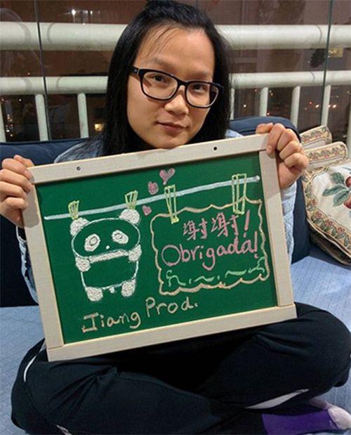 Jiang posta mensagem de despedida e se arrisca como apresentadora