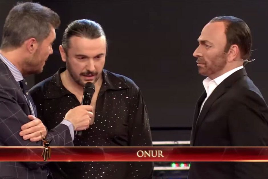 Ali Kemal e Onur se reencontram em reality show de dança