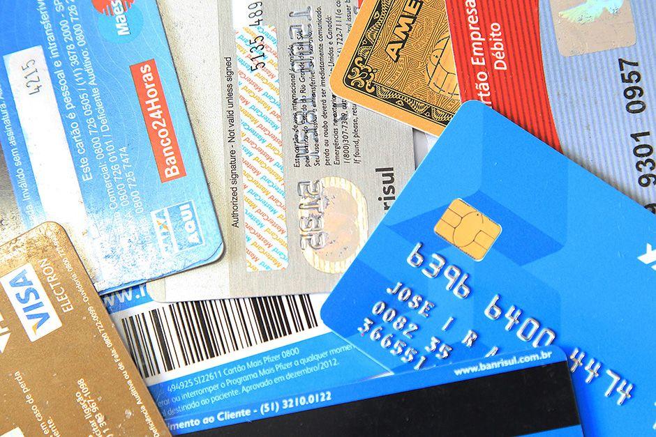 Cartões de crédito não tem regulação forte no Brasil / Raw Image/Folhapress