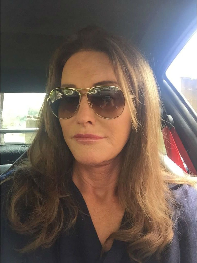 Caitlyn Jenner avalia candidatura a cargos públicos