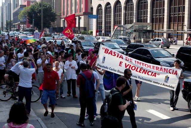 Manifestação repudia atos de violência do último domingo, que teriam tido motivação homofóbica / Foto: Leonardo Soares/Agência Estado
