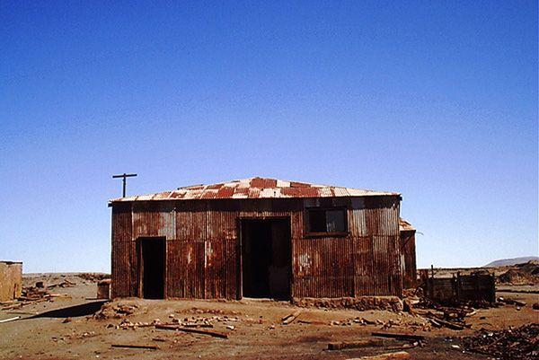 Humberstone, no Chile, pode ter alguns moradores, mas é cheia de prédios abandonados