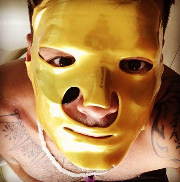 Ricky Martin utiliza máscara de tratamento de beleza / Divulgação/Instagram