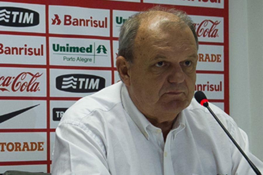 Presidente do Inter é hostilizado na Arena Condá: 'fora daqui'