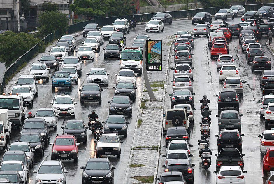 SP tem trânsito recorde nesta manhã de terça-feira