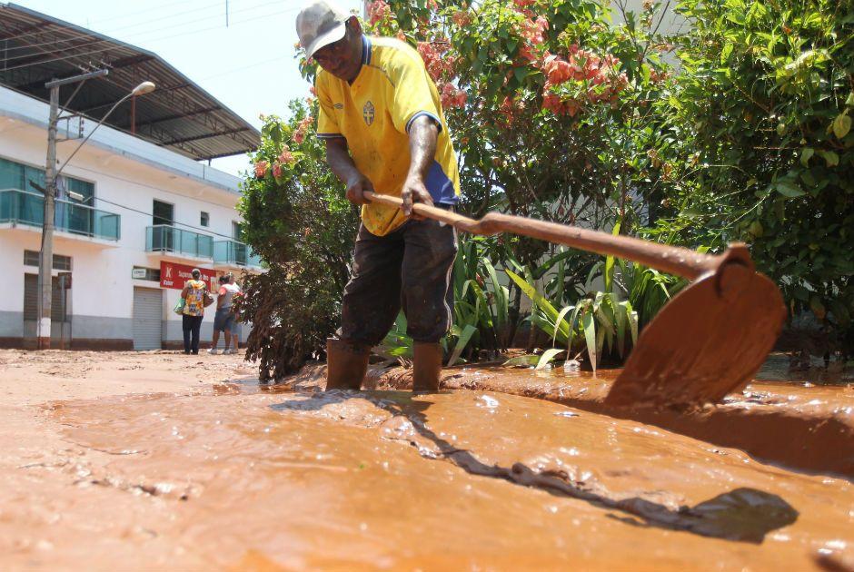Moradores temem novos rompimentos de barragens - Notícias - Cidades - Band.com.br