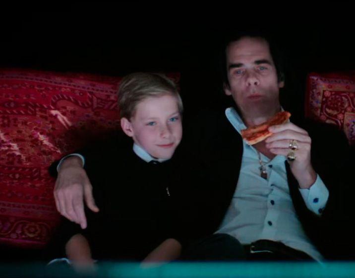 Arthur e Nick Cave  / Reprodução/Youtube