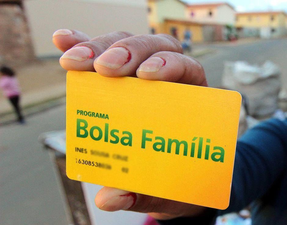 Congresso aprova alteração na LDO que ajuda governo a bancar novo Bolsa Família