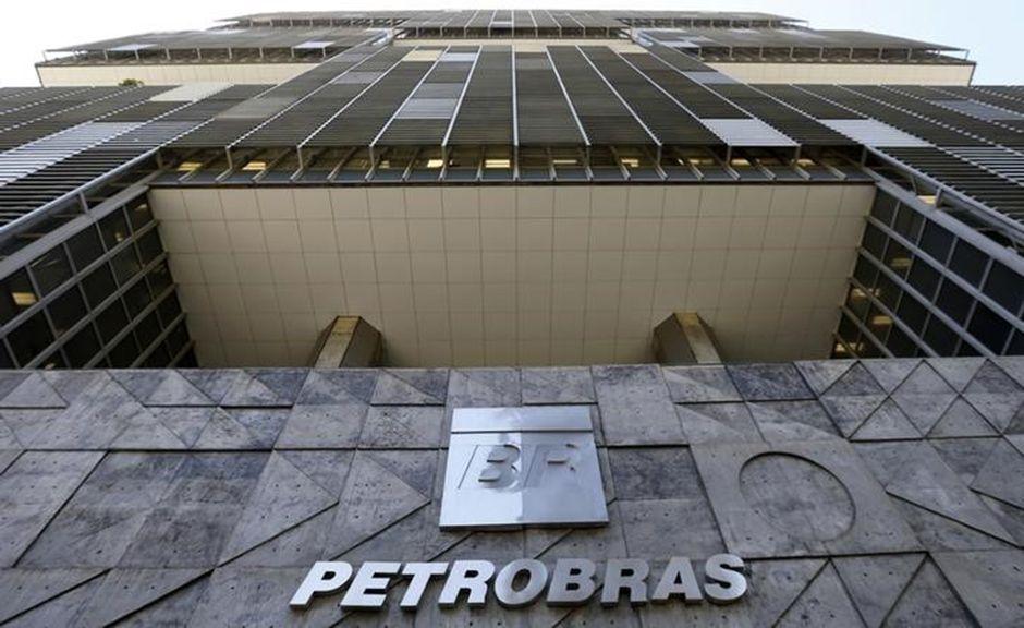 Sede da Petrobras, no Rio, é atingida por tiro