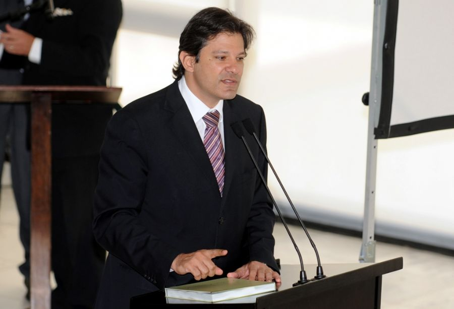 Fernando Haddad garante que kit saia ainda este ano