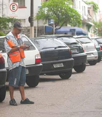 No Rio de Janeiro, os flanelinhas atuam de forma irregular em várias partes da cidade / André Porto/Metro/Arquivo