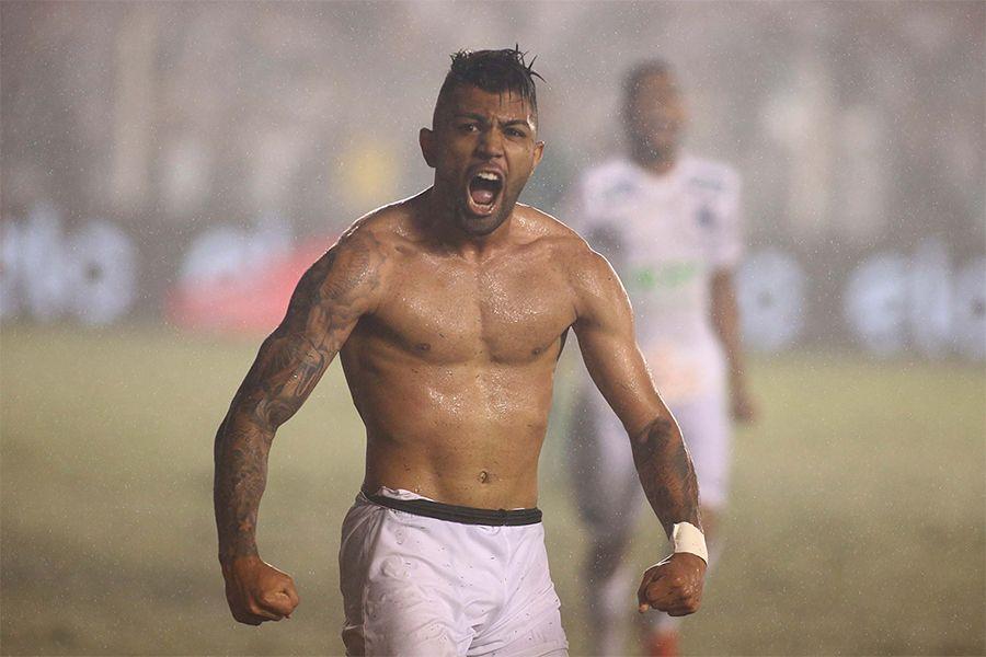 Copa do Brasil: Santos larga na frente, mas vê Palmeiras vivo