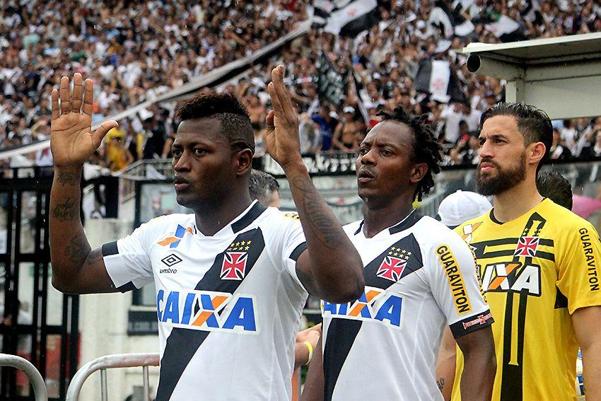 Agente descarta Riascos no Flamengo