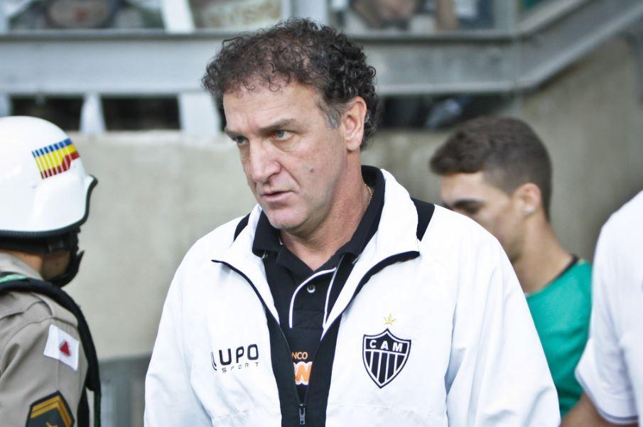 Cruzeiro anuncia lista de dispensas com Damião e Júlio Baptista ... bafd09a12045e
