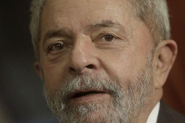 Defesa quer suspender a investigação sobre supostas irregularidades na compra da cota de um apartamento tríplex, no Guarujá / REUTERS/Ricardo Moraes