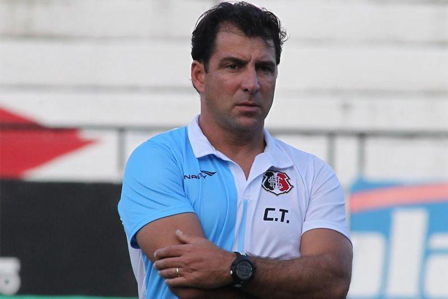 Técnico assumiu a equipe na 18ª posição da Série B e foi vice-campeão - Antônio Melcop/Site Oficial