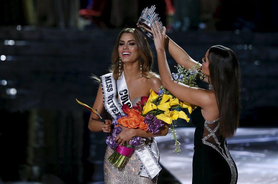 Miss Col�mbia recebe coroa
