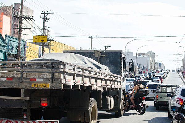 Rodízio será suspenso para veículos de passeio