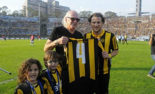 Família Forlán será homenageada no sorteio da Libertadores - Notícias - Notícias - Band.com.br