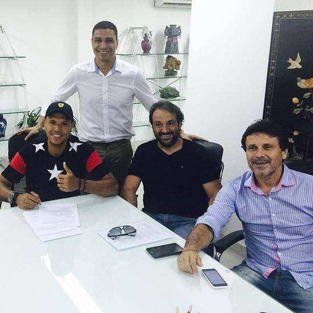 Santos entra na briga por Luis Fabiano