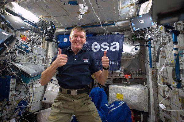 Astronauta pede desculpa após ligação errada do espaço