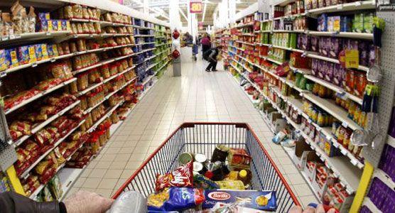 """""""Atacarejo"""" vira opção de economia para consumidores na crise"""