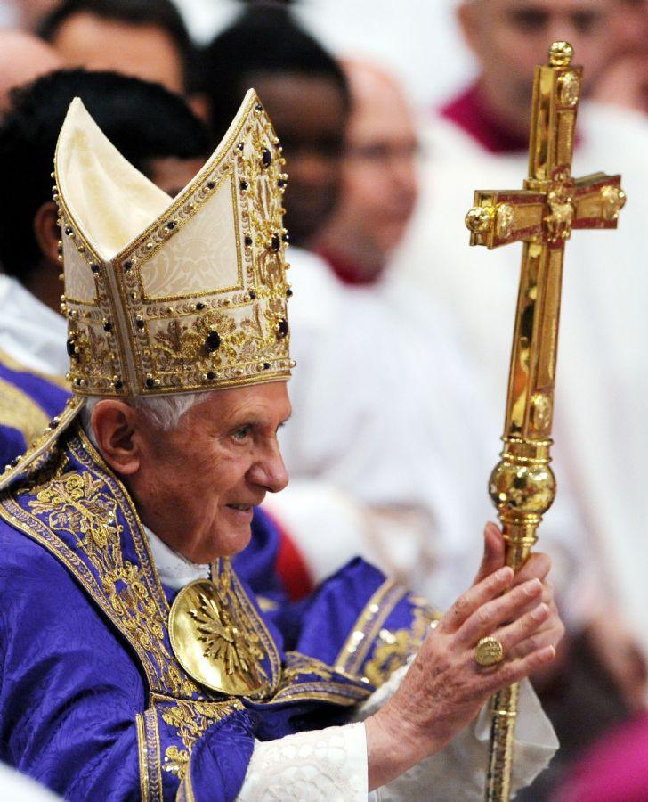 A missa é tão importante que deve ser celebrada pelo próprio Papa