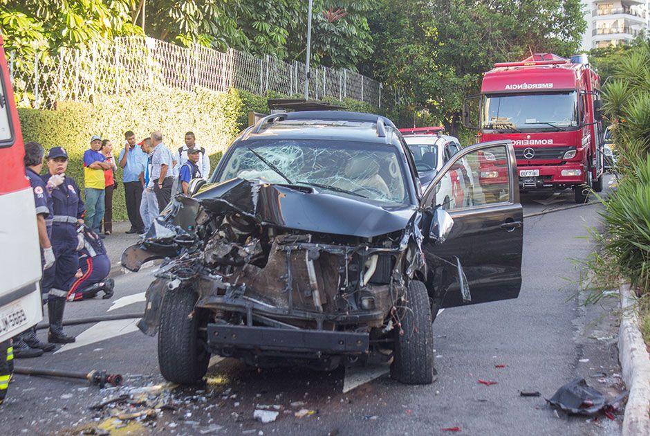 SP: acidente envolvendo três carros deixa quatro feridos