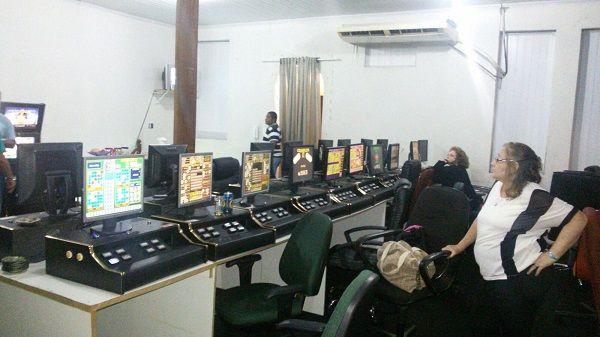 Máquinas apreendidas em Botafogo