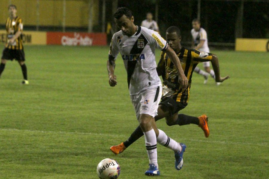 Vasco defende invencibilidade contra Bahia