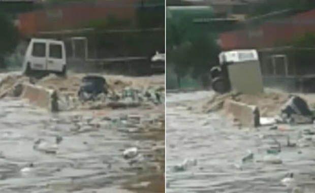 Carro é engolido pela enchente na Grande São Paulo