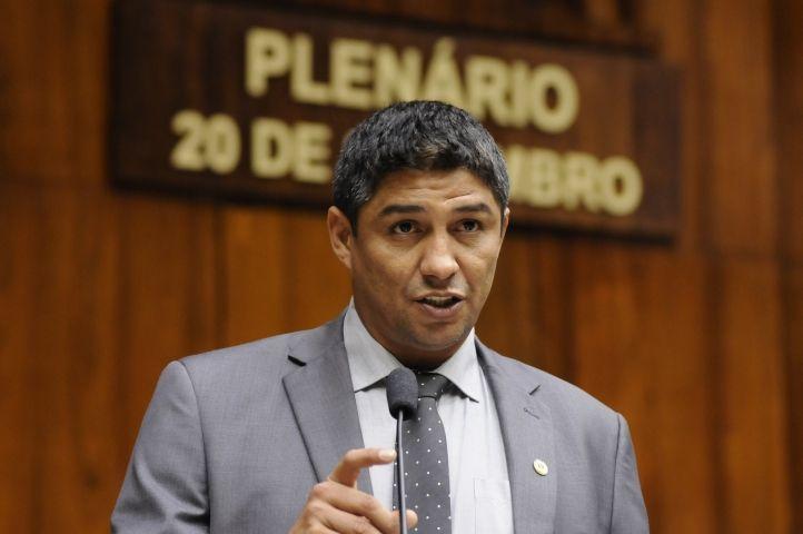 Assembleia do RS aceita pedido de afastamento de Jardel