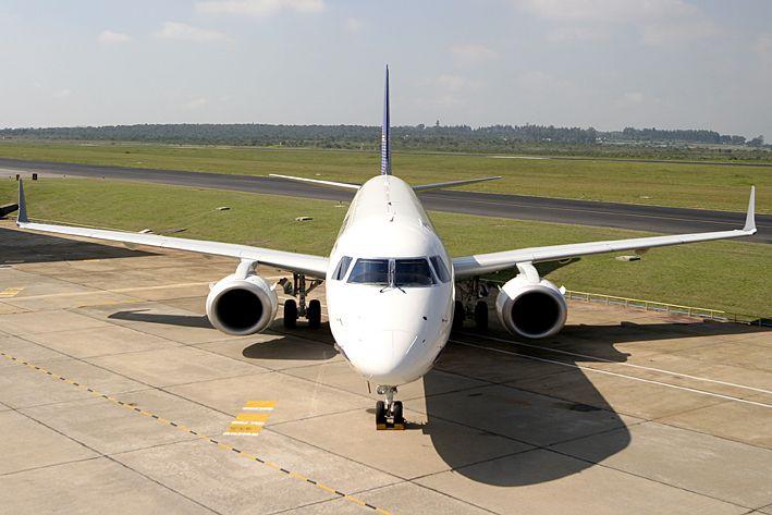 Os 80 novos aviões são do modelo Embraer 175 e Embraer 190. Na foto, o modelo 190.