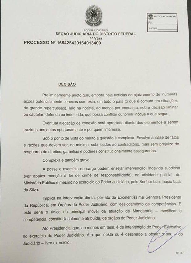 Liminar suspende efeitos da posse de Lula página 1