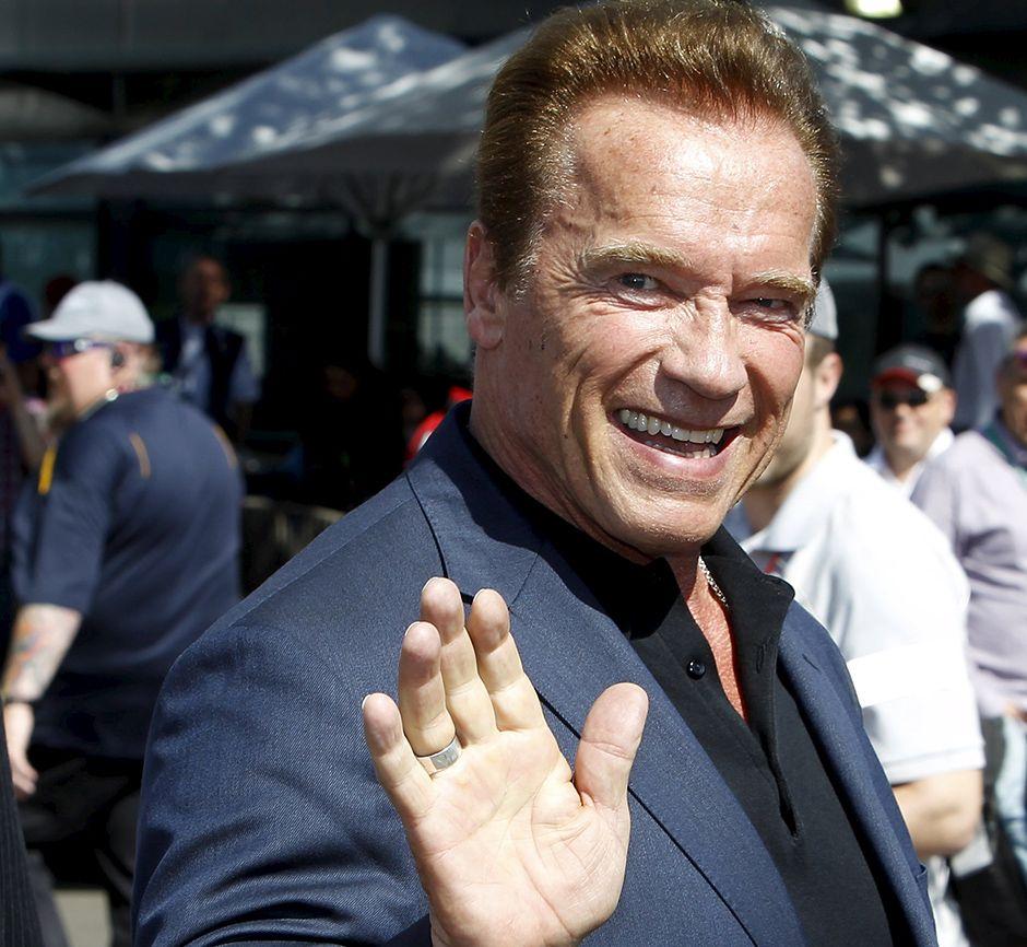 Schwarzenegger rebate críticas de Trump: Que tal trocarmos de lugar?