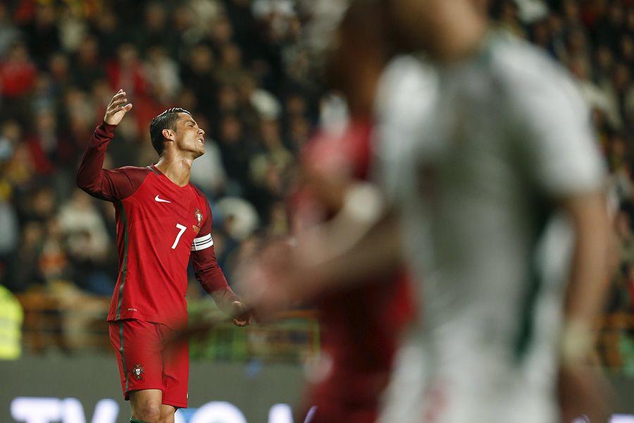 Portugal perde da Bulgária com gol de brasileiro