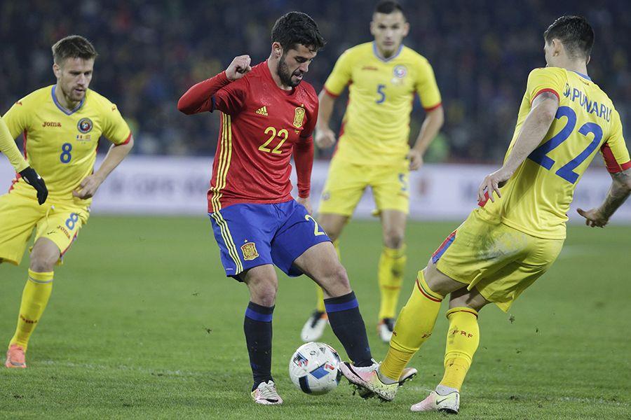 Com time misto, Espanha empata com a Romênia