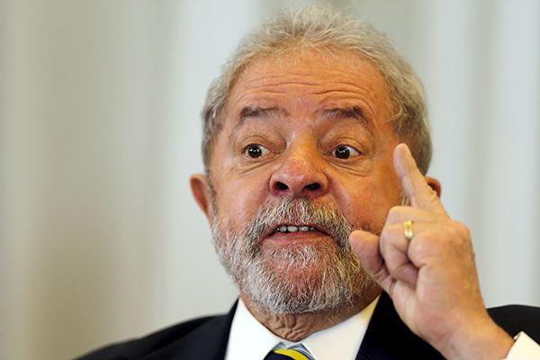Lula disse que quer participar de decisões do governo Dilma, mesmo que seja como conselheiro / Paulo Whitaker / Reuters