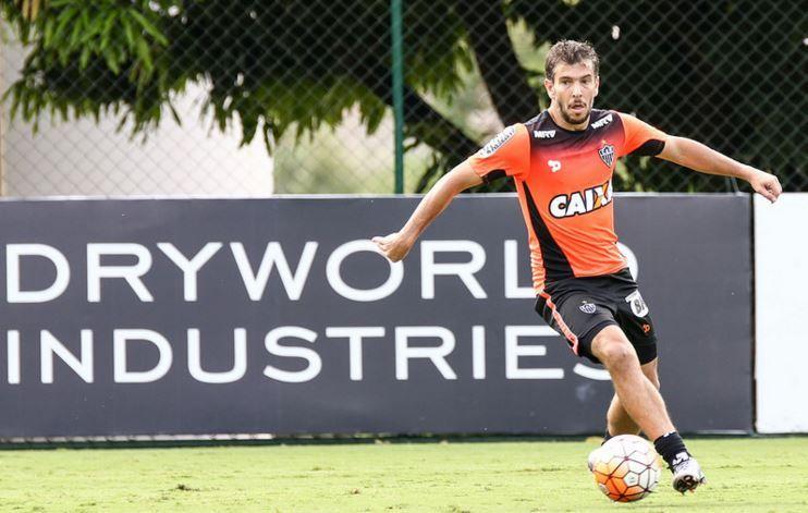 Lesionado, Leandro Donizete desfalca Galo na quinta-feira
