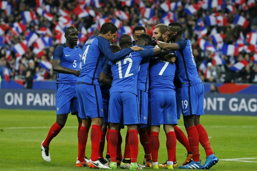 França mantém embalo e derrota a Rússia