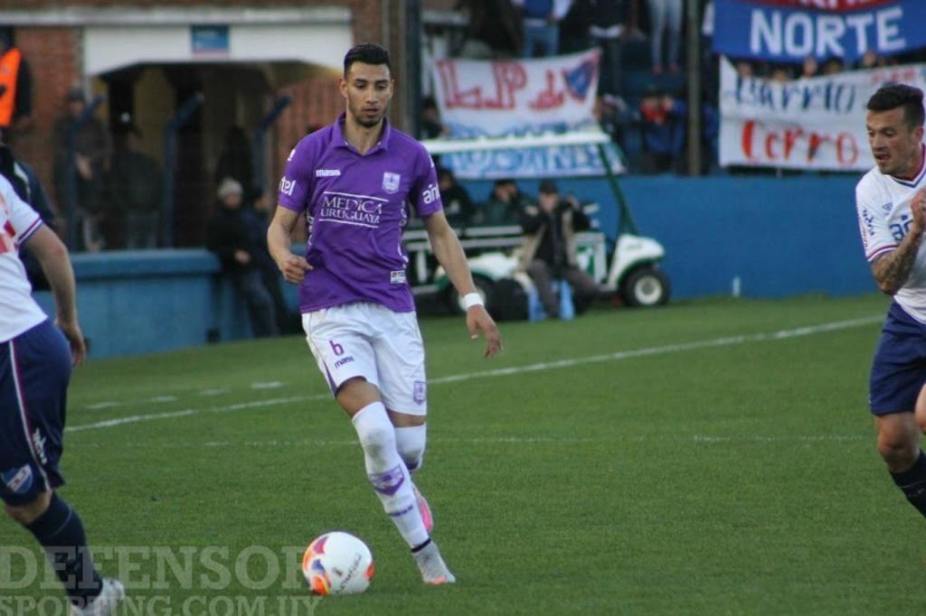 Grêmio prepara nova investida por lateral uruguaio