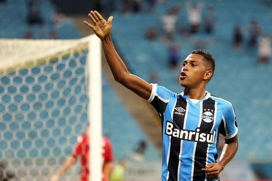 Grêmio goleia e está na semifinal do Gaúcho