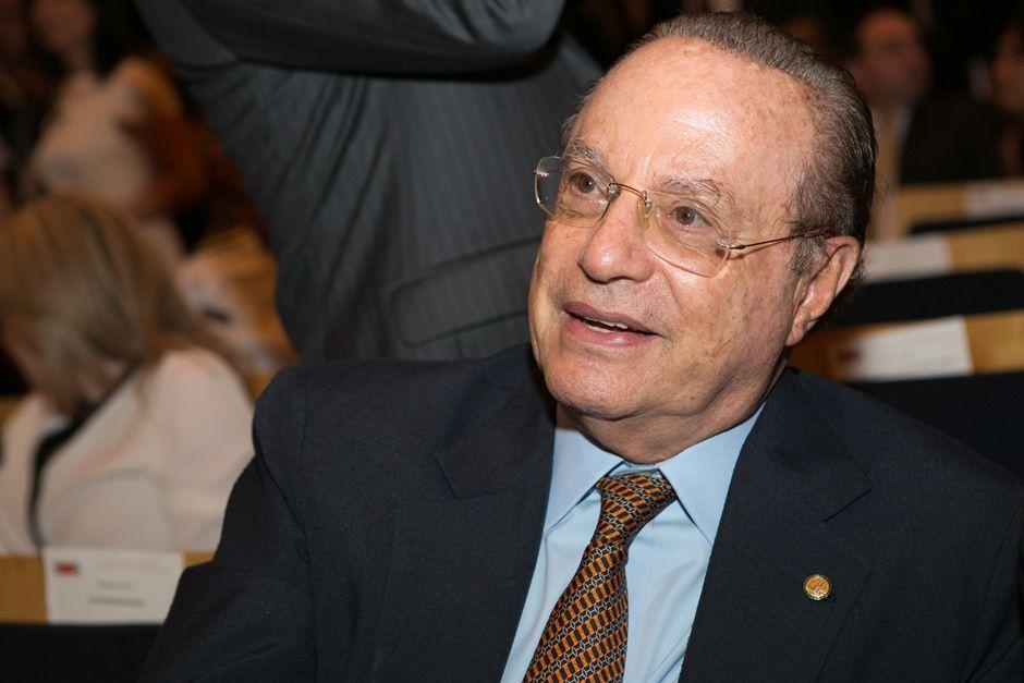 Maluf é condenado a três anos de prisão na França